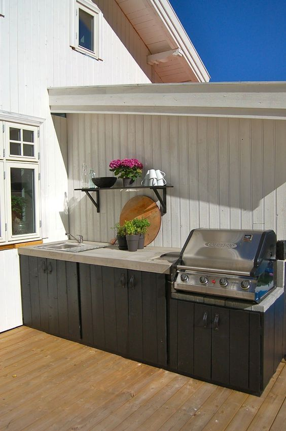 Backyard Kitchen Ideas: Simple Outdoor Kitchen