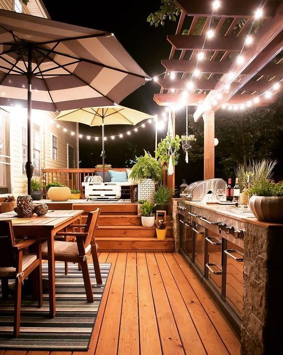 Backyard Kitchen Ideas: Exhilarating Warm Night