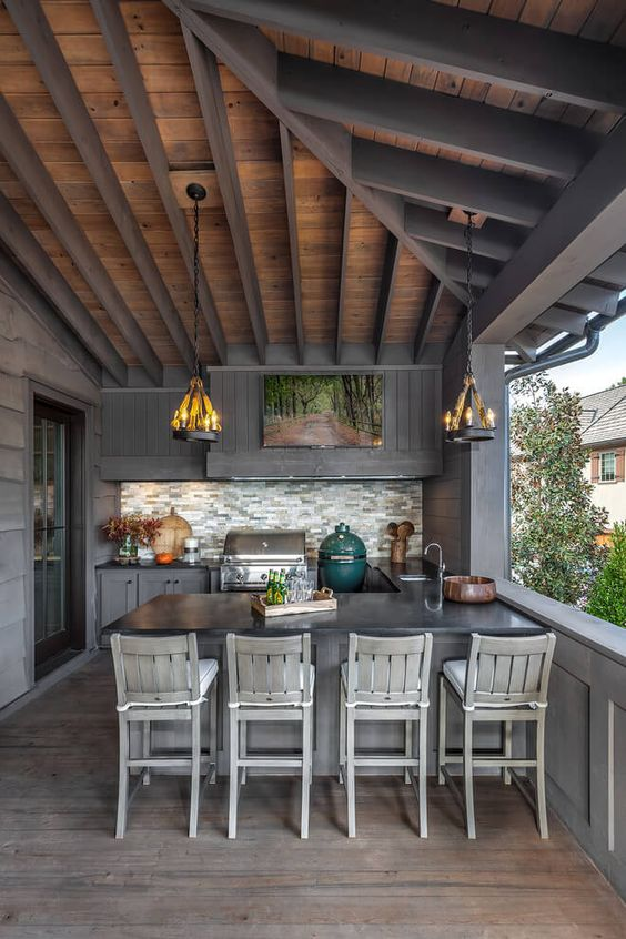 Backyard Kitchen Ideas: Elegant Dark Gray