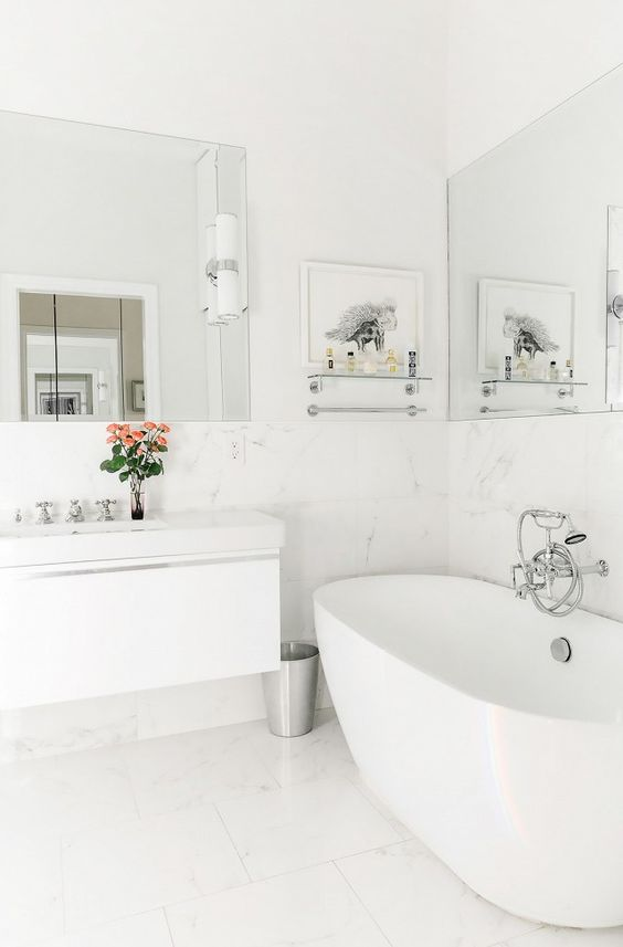 Bathroom Bathtub Ideas: Classic Freestanding Tub