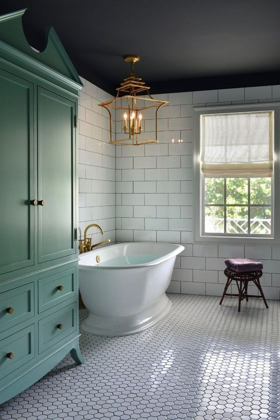 Bathroom Bathtub Ideas: Vintage Freestanding Vibe