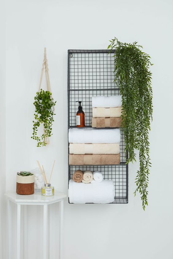Bathroom Storage Ideas: Unique Hanging Storage
