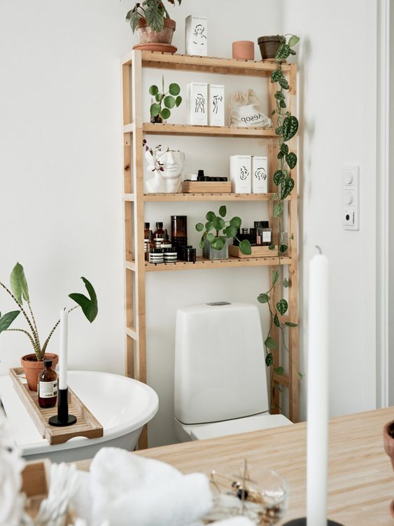Bathroom Storage Ideas: Rustic Standing Shelves