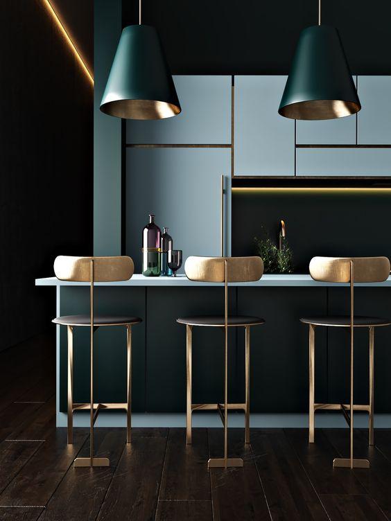 Dark Kitchen Ideas: Breathtaking Gold Accent