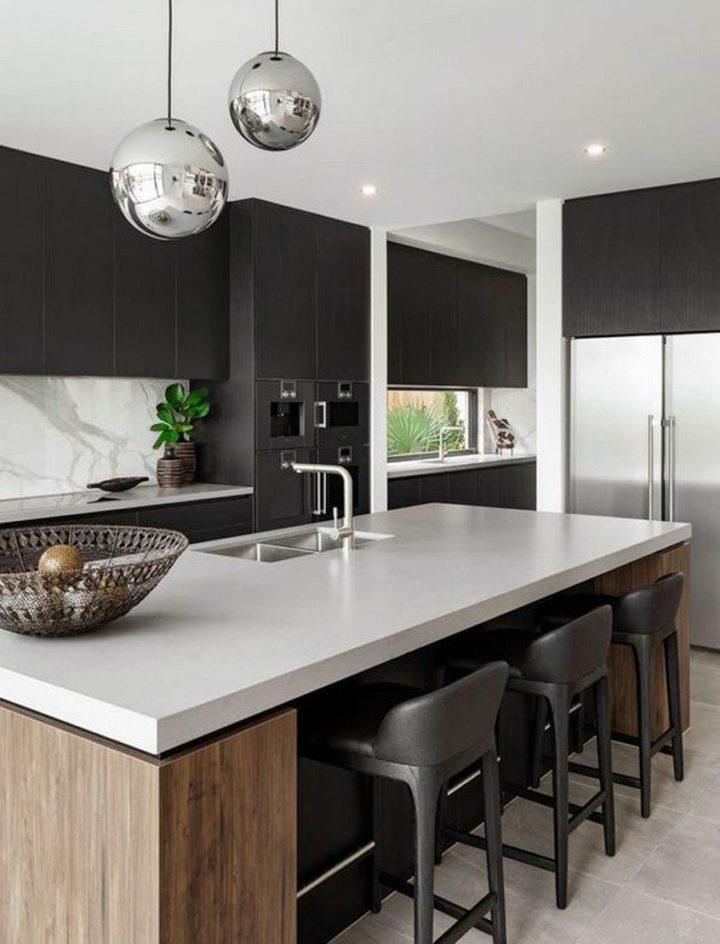 Dark Kitchen Ideas: Chic Modern Kitchen