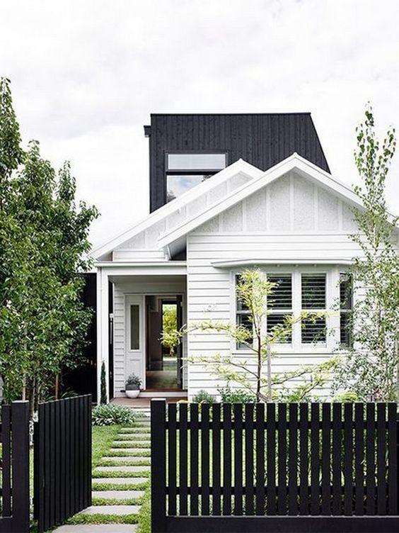 Fence Ideas: Unique Black Fence