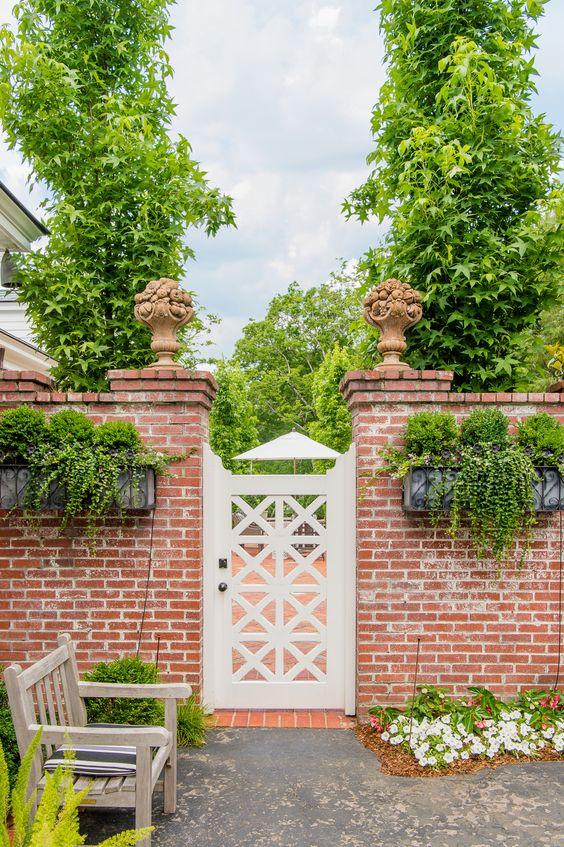 Fence Ideas: Rustic and Elegant