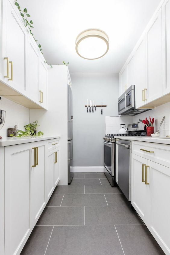 Galley Kitchen Ideas: Simple Neutral Shade