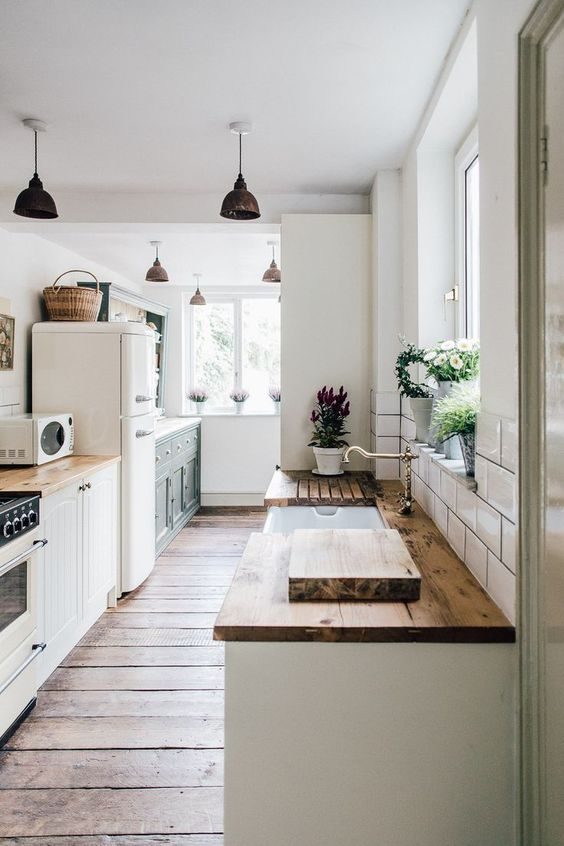 Galley Kitchen Ideas: Exhilarating Rustic Style