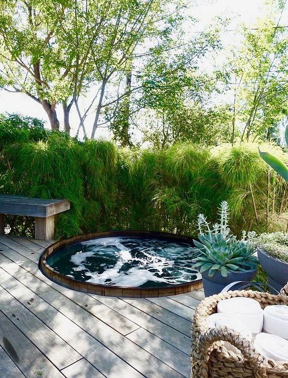 Hot Tub Patio: Earthy Pallet Patio