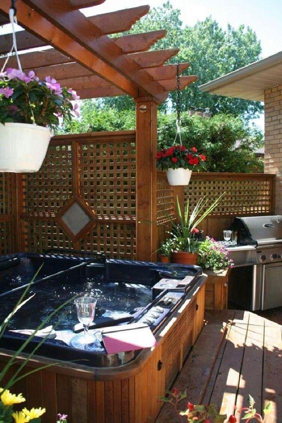 Hot Tub Patio: Cozy Wood Patio