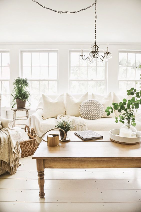Neutral Living Room Ideas: Airy Earthy Room