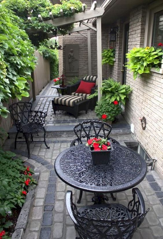 Patio Landscaping Ideas: Minimalist Paver Patio