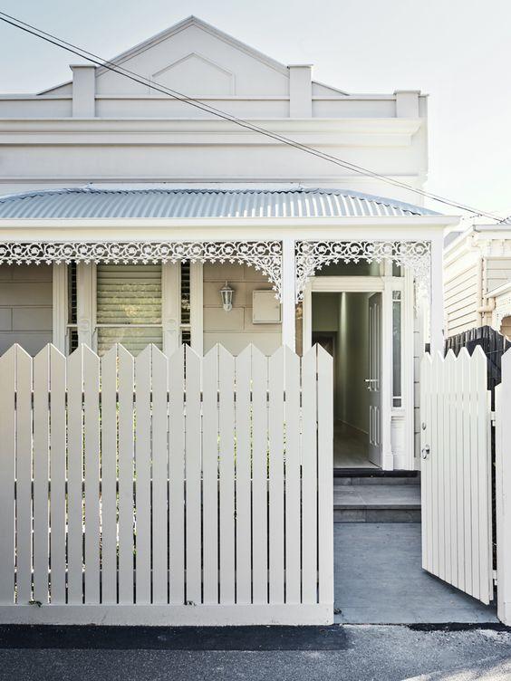 Picket Fence Ideas: Modern Picket Look