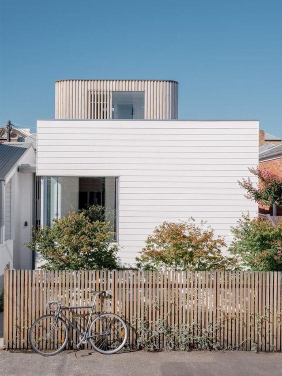 Picket Fence Ideas: Wooden Flat Top