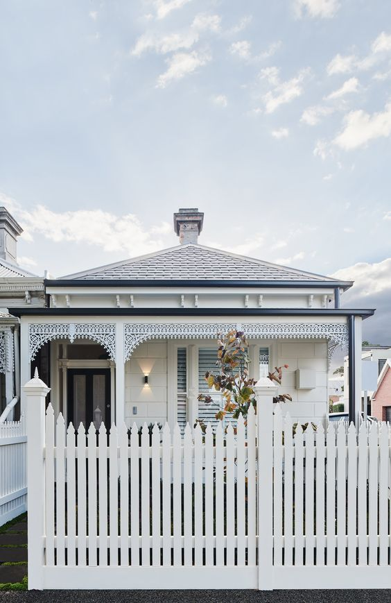 Picket Fence Ideas: Scallop French Gothic