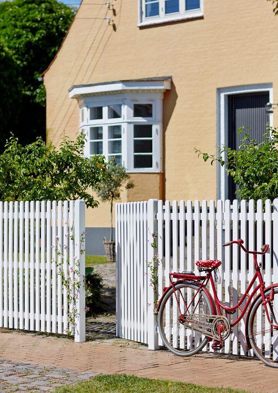 Picket Fence Ideas: Dog Eared Picket