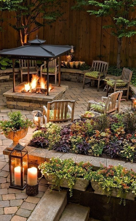 Backyard Seating Ideas: Simple and Cozy