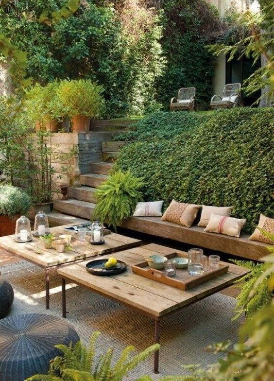 Backyard Seating Ideas: Easy Natural Decor