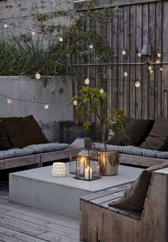 Backyard Seating Ideas: Stunning Rustic Design