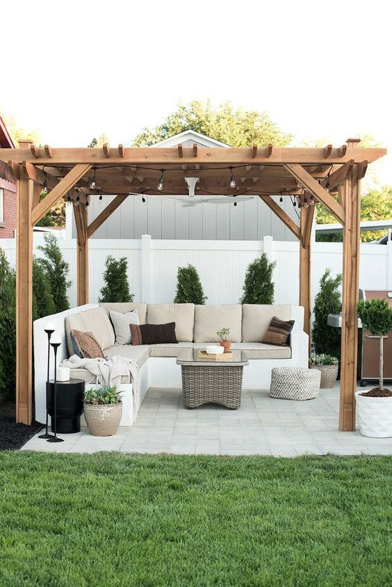 Backyard Seating Ideas: Captivating Earthy Vibe