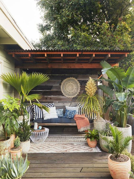 Backyard Seating Ideas: Cozy Seating Deck