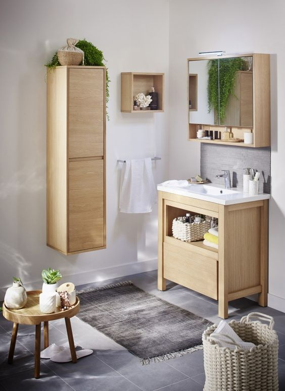 Bathroom Organization Ideas: Soft Wood Accent