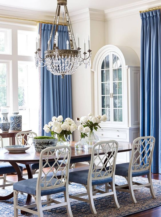 Coastal Dining Room Ideas: Charming Soft Blue