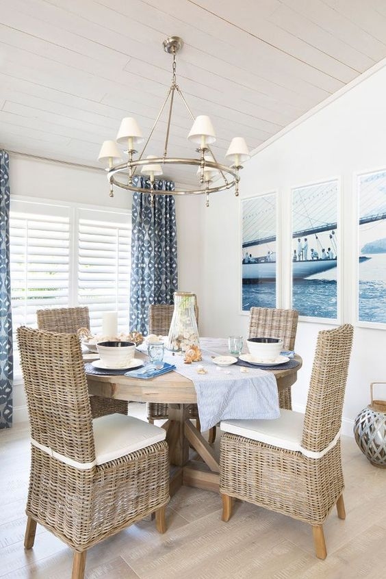 Coastal Dining Room Ideas: Minimalist Coastal Cottage