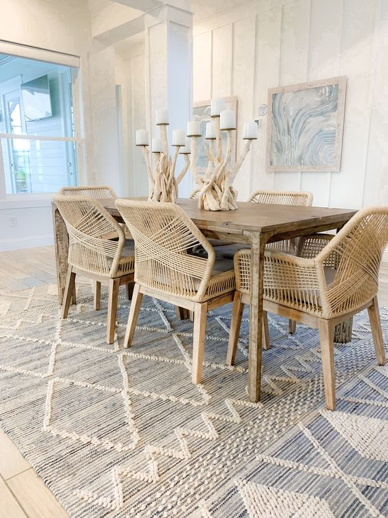 Coastal Dining Room Ideas: Chic Coastal Cottage