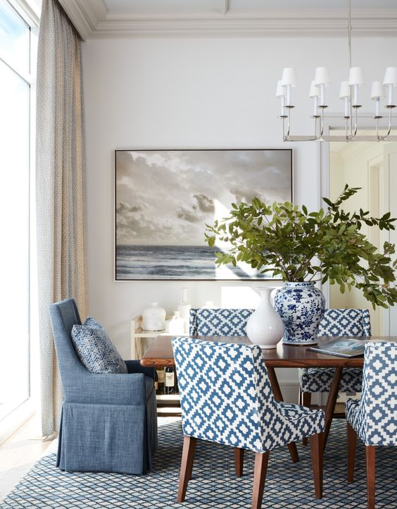 Coastal Dining Room Ideas: Classic Pattern Accents