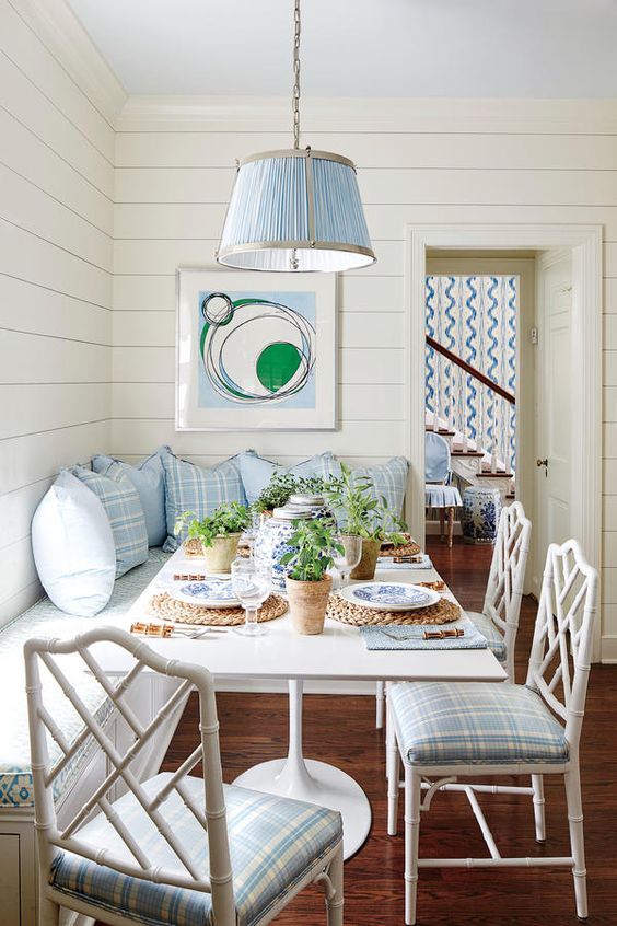 Coastal Dining Room Ideas: Cozy Dining Nook