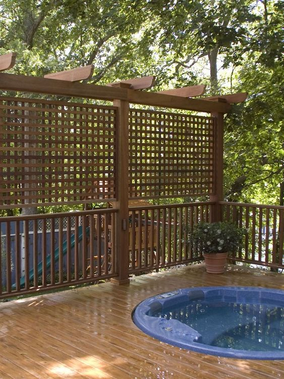 Hot Tub Privacy: Simple Wooden Screen