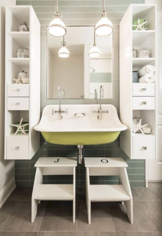 Kids Bathroom Ideas: Lovely Coastal Cottage