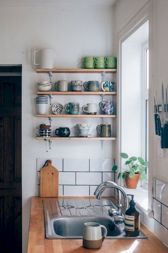Kitchen Wall Ideas: Floating Cup Supports