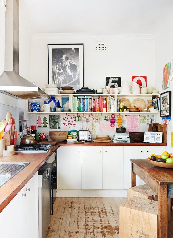 Kitchen Wall Ideas: Colorful Wall Decor