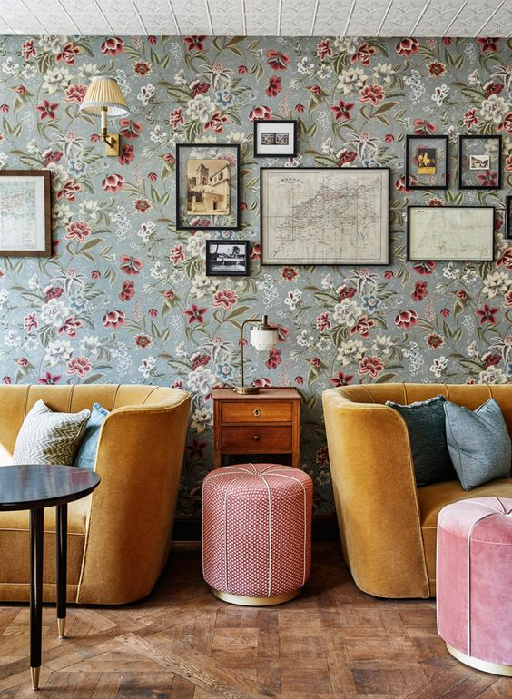 Living Room Wallpaper Ideas: Shabby Chic Wallpaper