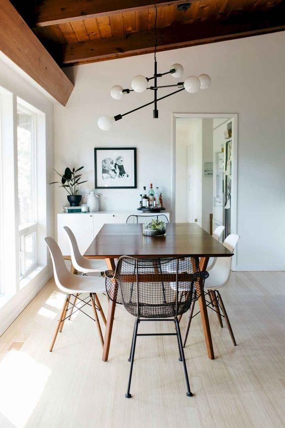Mid-Century Dining Room Ideas: Minimalist Dining Room