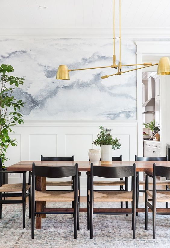 Mid-Century Dining Room Ideas: Striking White Decor