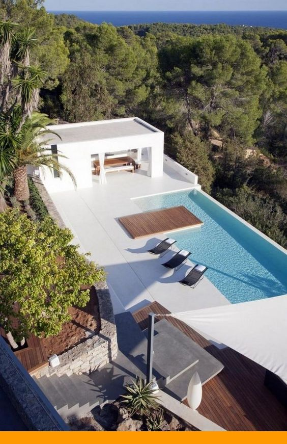 Rooftop Swimming Pool Ideas: Striking Oasis Spot