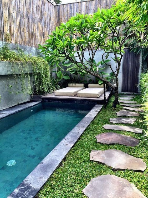 Backyard Wall Ideas: Airy Tropical Vibe