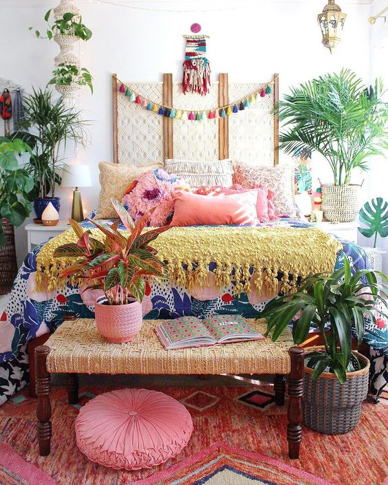 Bohemian Bedroom Ideas: Blinding and Striking