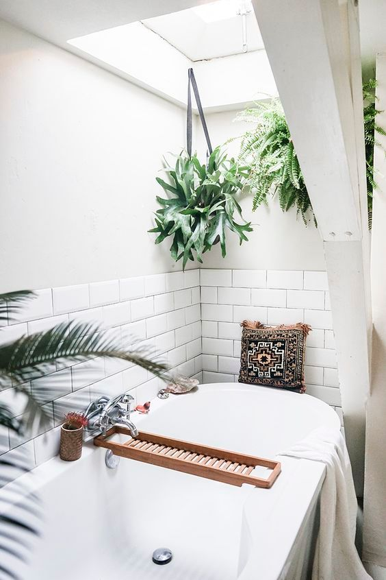 Boho Bathroom Ideas: Bright and Breezy