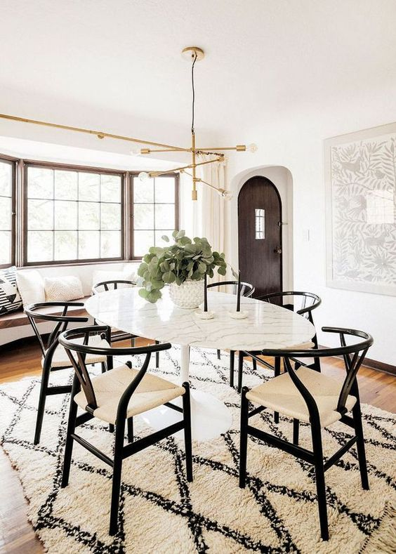 Casual Dining Room Ideas: Chic Farmhouse Style