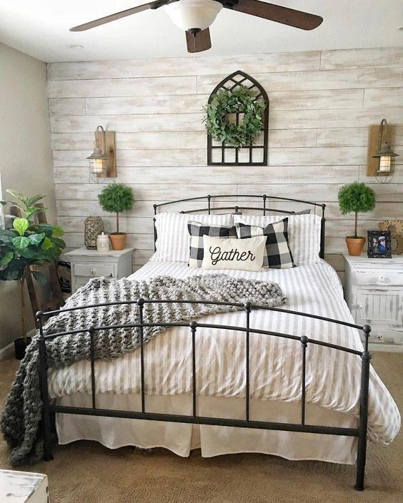 Farmhouse Bedroom Ideas: Stunning Vintage Vibe