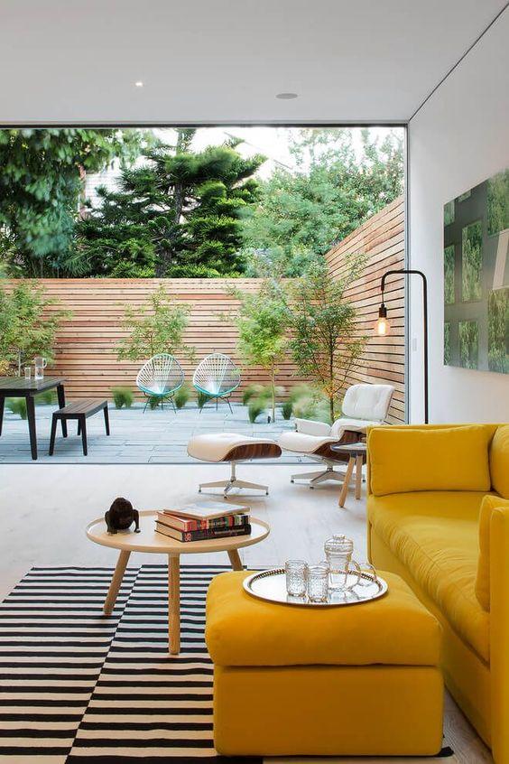 Fence Design Ideas: Striking Modern Look