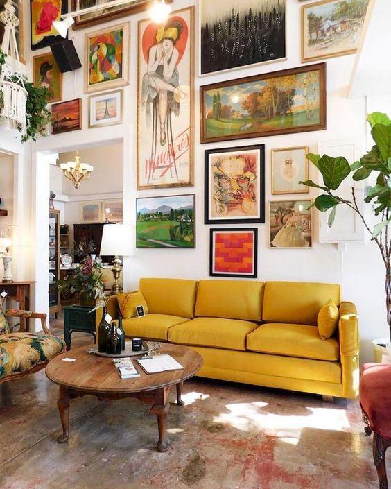 Living Room Inspiration Ideas: Wall Art Enthusiast