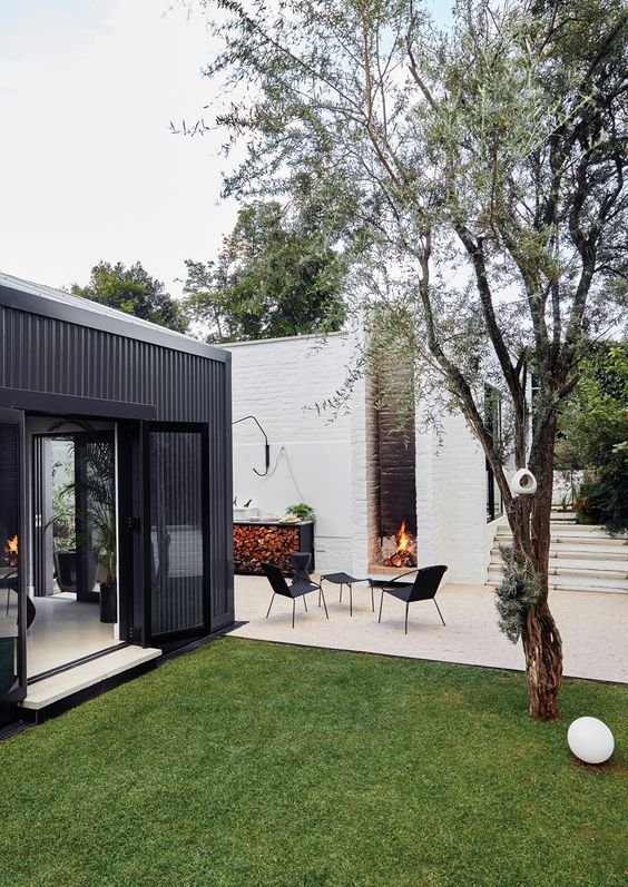 Patio Fireplace Ideas: Chic Modern Outdoor