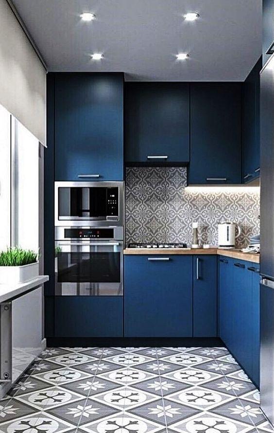 Small Kitchen Ideas: Stunning Navy Decoration