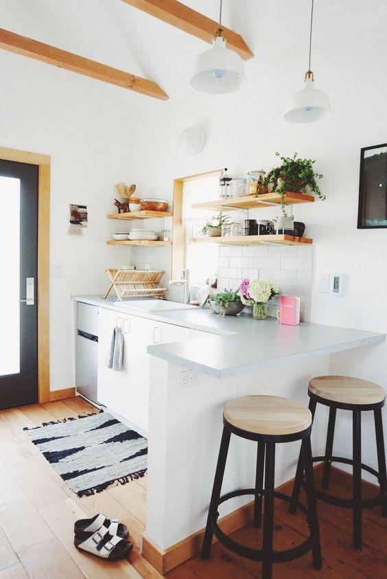 Small Kitchen Ideas: Simple Farmhouse Concept